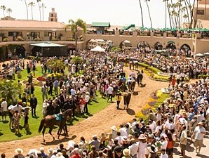 Del Mar Sets Attendance Record on Opening Day