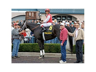 "Future Prospect in the Winner's Circle after the WinStar Kentucky Cup. <br><a target=""blank"" href=""http://www.bloodhorse.com/horse-racing/photo-store?ref=http%3A%2F%2Fpictopia.com%2Fperl%2Fgal%3Fprovider_id%3D368%26ptp_photo_id%3D9679326%26ref%3Dstory"">Order This Photo</a>"