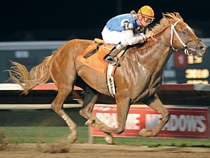 Duke of Mischief wins the 2009 Iowa Derby.
