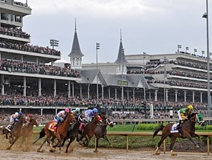 Palace Malice sets the pace in the 2013 Kentucky Derby.