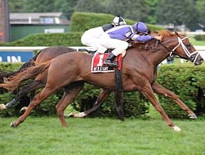 Red Giant just gets past Stalingrad (hidden) to take the Fourstardave (gr. IIT) Aug. 3 at Saratoga.