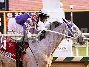 Griff wins the 2014 City of Laurel Stakes.