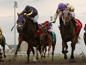 Lucky Be Me wins the 2010 Muskoka Stakes.