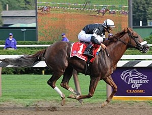 Commentator cruises towards his 2nd win in the Whitney Stakes.