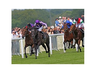 "So You Think takes control to win the Prince of Wales's Stakes.<br><a target=""blank"" href=""http://photos.bloodhorse.com/AtTheRaces-1/at-the-races-2012/22274956_jFd5jM#!i=1917276955&k=LpMkVJc"">Order This Photo</a>"