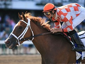 Just Jenda wins the 2009 Serena's Song.