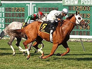 Joya Real wins the Fort Monmouth Stakes.