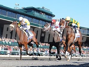 Java's War wins the 2013 Blue Grass Stakes.