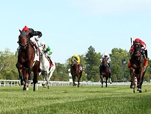 Point of Entry wins the 2012 Elkhorn.