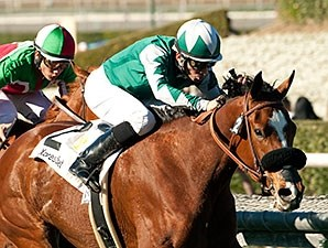 Singing Kitty wins the 2015 California Cup Oaks.