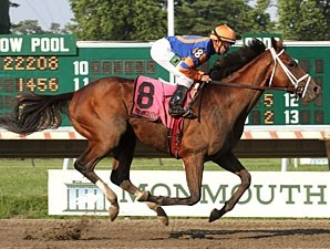Micromanage wins the 2013 Long Branch Stakes.
