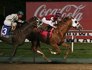 Etched wins the 2009 Meadowlands Cup.