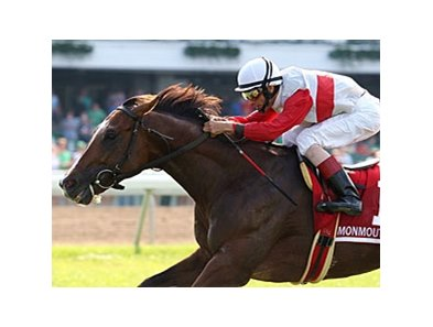 Data Link caught Fourstardave entrant Get Stormy late to win the Monmouth Stakes.
