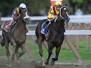 Rachel Alexandra wins the 2009 Woodward.