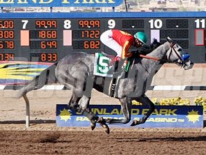 Midnight Lucky wins the Sunland Oaks.