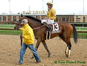 Departing wins the 2013 Illinois Derby.