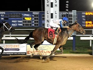 Tujuacagofast wins the 2012 Shine Futurity - Filly Division.