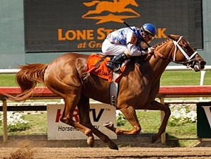 Taptam wins the 2009 Valor Farms Stakes.