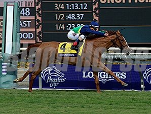 Dayatthespa wins the 2014 Breeders' Cup Filly & Mare Turf.