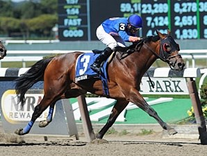 Saginaw wins the 2012 Promenade All Stakes.