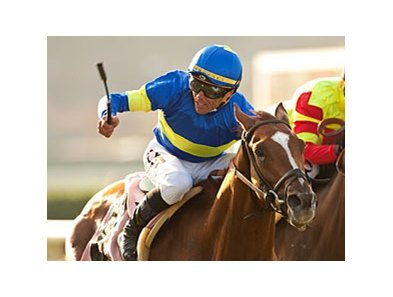 Dice Flavor and Garrett Gomez get up late to win the  La Jolla Handicap.