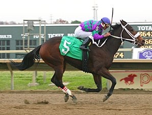 Ms. Cruisen' wins the 2012 Cornucopia Stakes.