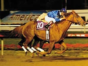 Somethinaboutlaura winning the 2007 A Gleam Invitational (gr. II) at Hollywood Park.