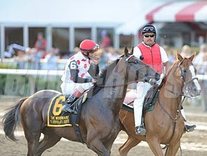 To Honor and Serve wins the 2012 Woodward.