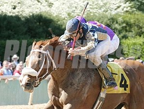 Sebastian County holds off Poni Colada to take the Northern Spur.