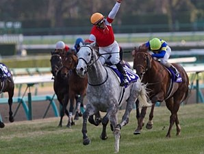 Gold Ship wins the Arima Kinen.