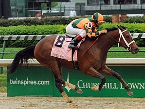 Proud Spell draws off in the 2008 Kentucky Oaks.