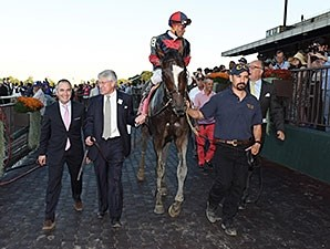 Tonalist wins the 2014 Jockey Club Gold Cup.