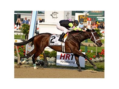 "Payton d'Oro cruises to victory in the Black-Eyed Susan Stakes.<br><a target=""blank"" href=""http://www.bloodhorse.com/horse-racing/photo-store?ref=http%3A%2F%2Fpictopia.com%2Fperl%2Fgal%3Fprovider_id%3D368%26ptp_photo_id%3D8114993%26ref%3Dstory"">Order This Photo</a>"