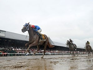 Summer Bird wins the 2009 Travers.