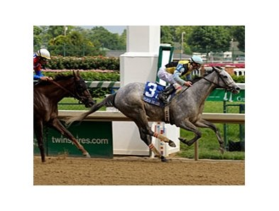 "Miss Isella pulls away to take the Fleur de Lis.<br><a target=""blank"" href=""http://www.bloodhorse.com/horse-racing/photo-store?ref=http%3A%2F%2Fpictopia.com%2Fperl%2Fgal%3Fprovider_id%3D368%26ptp_photo_id%3D8233482%26ref%3Dstory"">Order This Photo</a>"