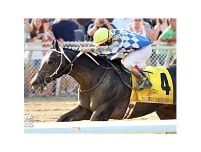 Macho Macho and Corey Nakatani are strong at the finish of the West Virginia Derby.
