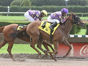 Redbud Road wins the 2011 JJ's Dream.