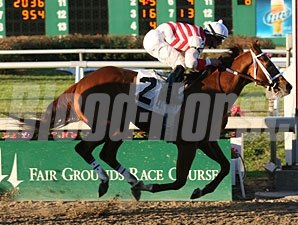 Euroears with Jamie Theriot up wins the Thanksgiving Day Handicap at Fair Grounds.