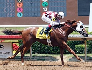 Circustown Flyer wins the 2013 TTA Sales Futurity.