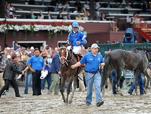 Alpha wins the 2013 Woodward.