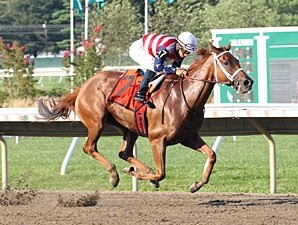 Seaneen Girl  wins the 2013 Monmouth Oaks.