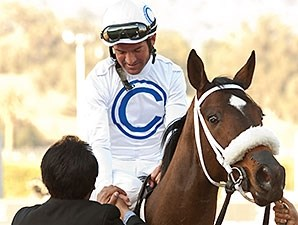 Susans Express wins the 2014 California Cup Oaks.