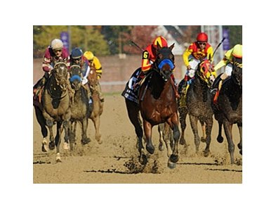 "Secret Circle pulls away in the Breeders' Cup Juvenile Sprint.<br><a target=""blank"" href=""http://www.bloodhorse.com/horse-racing/photo-store?ref=http%3A%2F%2Fpictopia.com%2Fperl%2Fgal%3Fprovider_id%3D368%26ptp_photo_id%3D9728522%26ref%3Dstory"">Order This"