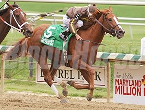 Love That Dance wins the 2009 000 Jim McKay Maryland Million Oaks.