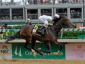 Rachel Alexandra wins the 2009 Kentucky Oaks.
