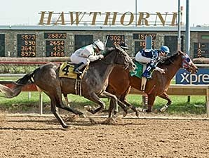 C'Mon Feet wins the 2014 Third Chance Handicap.