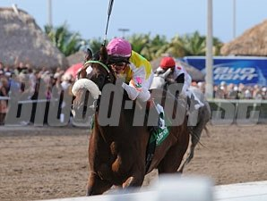 Grace Hall wins the 2012 Gulfstream Oaks.