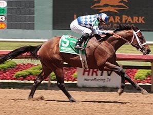 Coyote Legend wins the 2010 Texas Stallion Stakes.