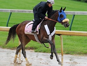 Daisy Devine works at Churchill Downs 5/2/2011.