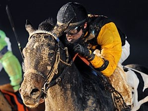 Slamit wins the 2012 Spring Chrysler-Jeep-Dodge Stakes.